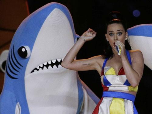 Left-Shark1
