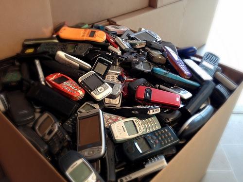 retro cell phone photo